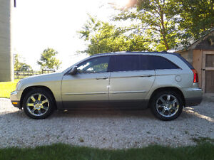 2006 Chrysler Pacifica touring- PRICE REDUCED!!