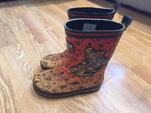 Size 9 toddler rubber boots
