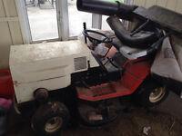 Tracteur a pelouse à vendre
