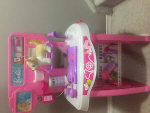 Barbie Vet Station