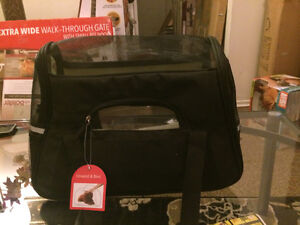 New Pet Carrier For Small, Medium Cats And Small Dogs