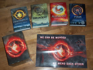DIVERGENT 4-BOOK BOXSET WITH POSTER *LIKE NEW*
