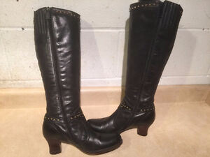 Women's Tall Leather Heels Size 6 London Ontario image 6