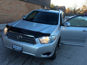 2009 Toyota Highlander SUV, low kms long weekend special