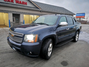 2007 Chevrolet Avalanche LTZ - Very clean and low miles
