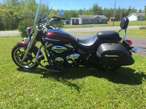 2009 Yamaha V-Star 950 Touring LOW KILOMETERS!