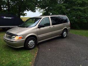 2001 Olds Van
