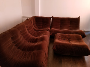 VINTAGE LATE 70'S RETRO SECTIONAL