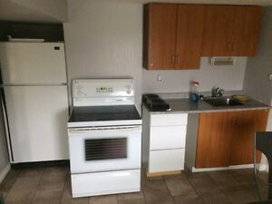 Large and Very Bright One Bedroom Apartment  Peterborough Peterborough Area image 2