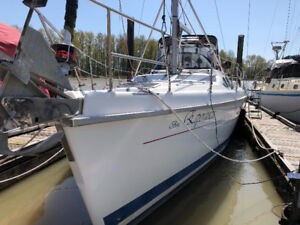 Hunter Sailboat Passage 450 Excellent condition