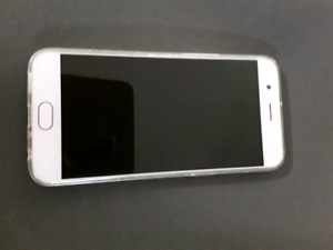 OPPO R11 Android phone