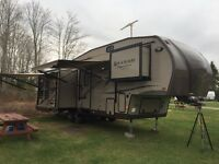 Rockwood Signature 8289WS Ultra Lite 5th Wheel