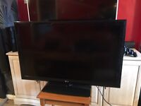 LG 42 INCH FULL HD TV - LIKE NEW CONDITION! BARGAIN!