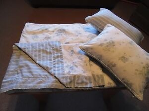 Pretty King Reversible Duvet Set - Need A Change For Spring?