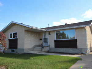 Amazing bungalow for sale in Morinville, AB