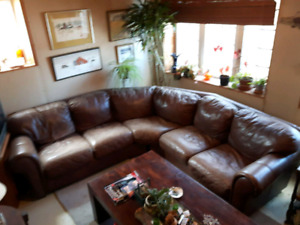 Grand sofa sectionnel de cuir - Large leather sectional sofa