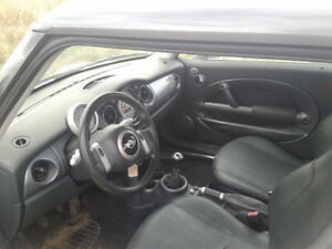 2004 MINI Mini Cooper Coupe (2 door)