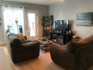 4 1/2 furnished condo - short term lease in Rosemont