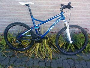 Vélo de montagne Devinci Dexter 2012