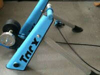 Tacx Blue Matic Trainer with Cyclops Riser Block