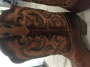 ARIAT COWBOY BOOTS WOMENS 11 London Ontario image 2