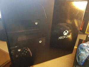 Day One Edition - Xbox One 500GB Console with Kinect and Games