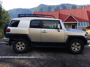 2007 Manual TRD Toyota FJ - AWD + 4X4