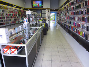 UNLOCK SERVICE FOR PHONES IN STORE WITHIN MINUTES Cambridge Kitchener Area image 3