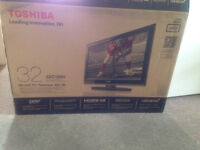 HERES A DEAL!!!!! Like New 32 inch TOSHIBA Flat Screen