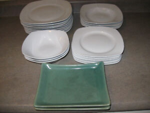 Kitchen Plate Set-Used-Good condition