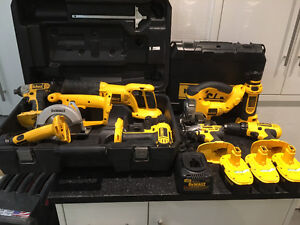 Dewalt Cordless Tool Set Combo Kit With Cases. 18v XRP Tool Lot.