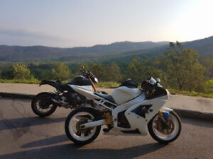 Selling 2003 ZX6RR 599CC