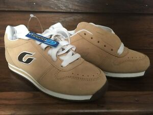 BRAND NEW GALLAZ SHOES SIZE 6.5 SKATEBOARD SHOES