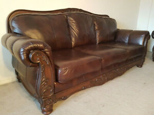 3 PICS EXTREMELY LUXURY ALL LEATHER SOFA SET, CAN DELIVER
