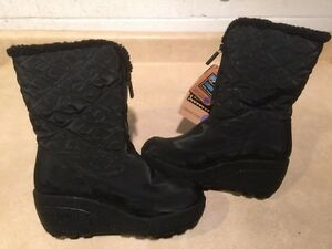 Women's Wild Country Winter Boots Size 6 M London Ontario image 2
