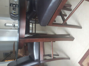 Kitchen/dining table set with 4 chairs - bar height