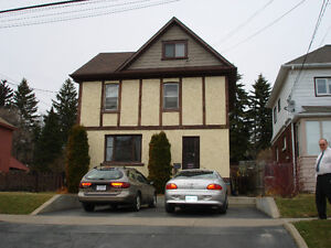 1 Bdrm Now Available Near Hospital College University Lawschool
