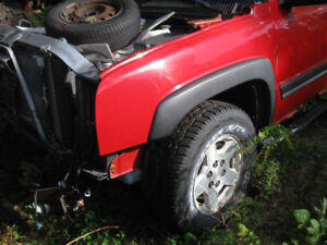 2005 Chev 4x4 STARTS 1500 LS 5;3 Truck Z71 FOR PARTS-