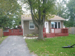 CUTE 3 BEDROOM BUNGALOW IMMEDIATE POSSESSION $1450.00 PLUS