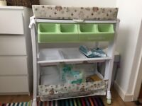 Baby change and bath unit