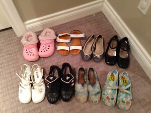 6 pairs of size 1 & 2 girls shoes