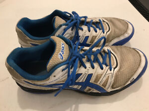 ASICS Volleyball Shoes (size 10)