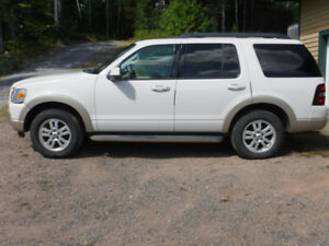 Ford Explorer For Sale 4 x 4