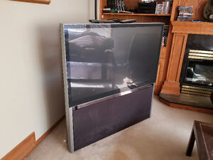 51 HD (High Def) Rear Projection TV - Hitachi - REDUCED