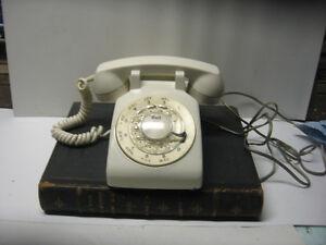 téléphones vintage plusieurs couleurs