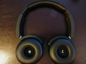 AKG Bluetooth Headpones