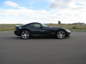 2006 Dodge Viper Coupe only 6600kms 1 of 6