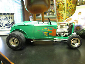 TRES BELLE AUTO ERTL FORD MOTOR COMPAGNY