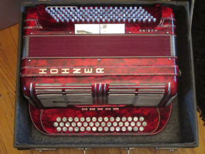 WANTED: HOHNER MORINO JIMMY SHAND ACCORDION