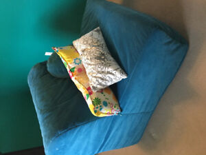 Chair that coverts to bed